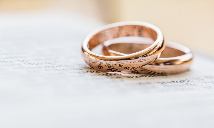 How Much Money Should You Spend On A Wedding Ring