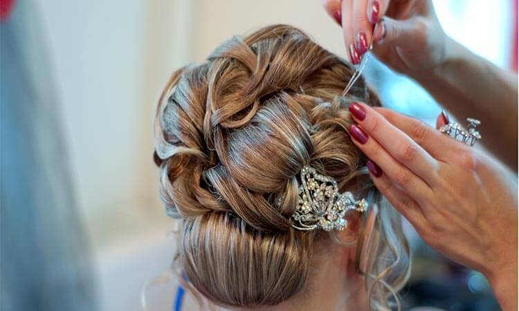 The-7-Best-Wedding-Hair-Accessories-For-Bride