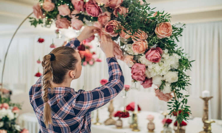 How Much Do Wedding Flowers Cost—Smart Tips For Planning