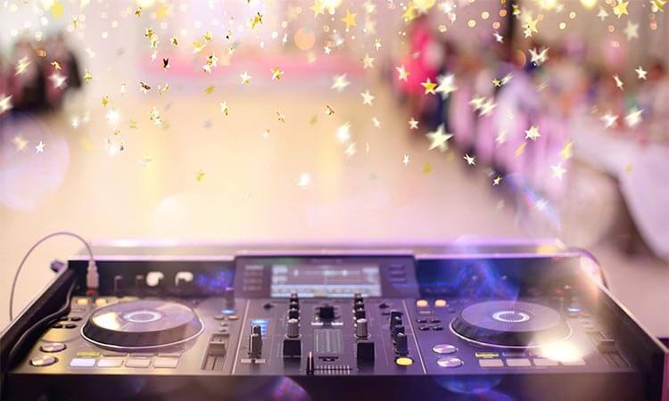 How Much Does A Wedding DJ Cost?