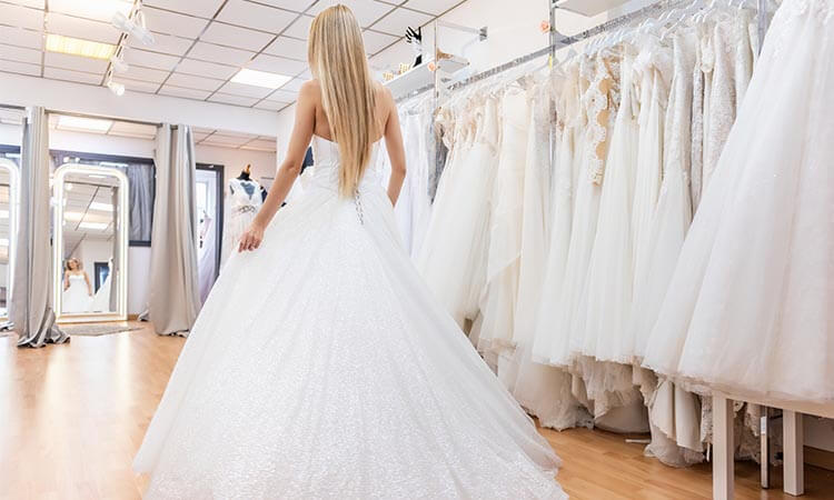 How Much Does A Wedding Dress Cost? - A Buying Guide