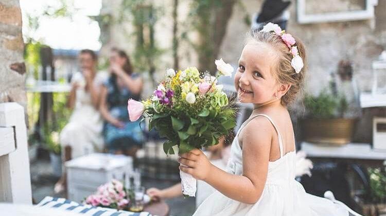 How Old Are Flower Girls? – Best Age For Flower Girls