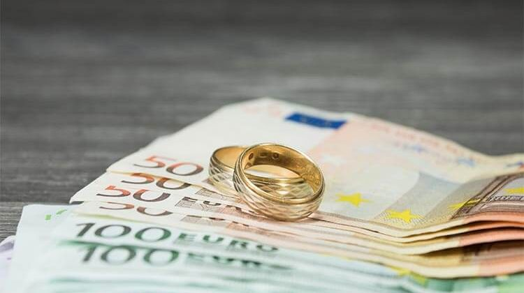 How To Ask For Money For A Wedding: Receiving Gifts