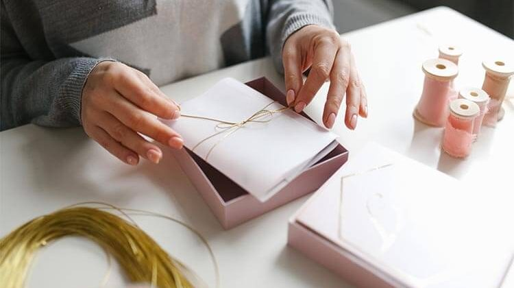 How To Assemble Wedding Invitations?