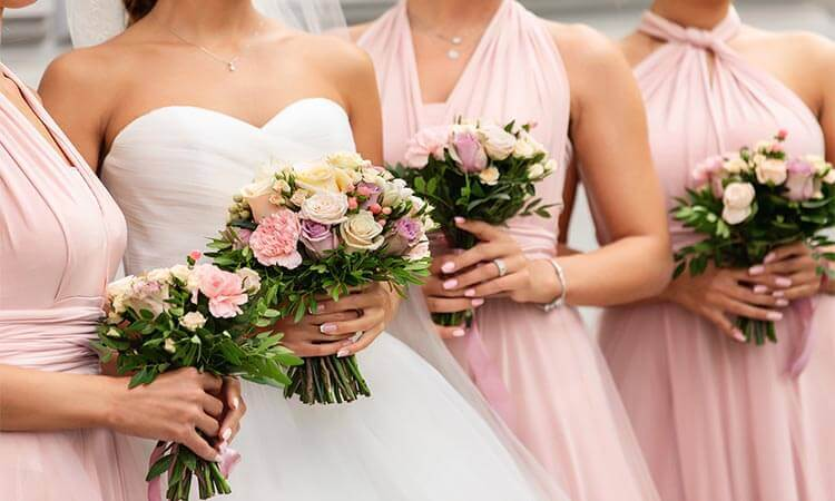 How To Coordinate Bridesmaid Dresses With Wedding Gowns
