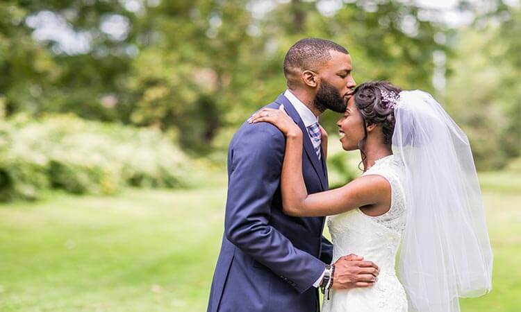 How To Do A Cheap Wedding: Tips And Hacks