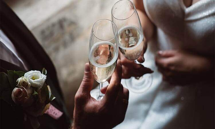 How To End A Wedding Toast