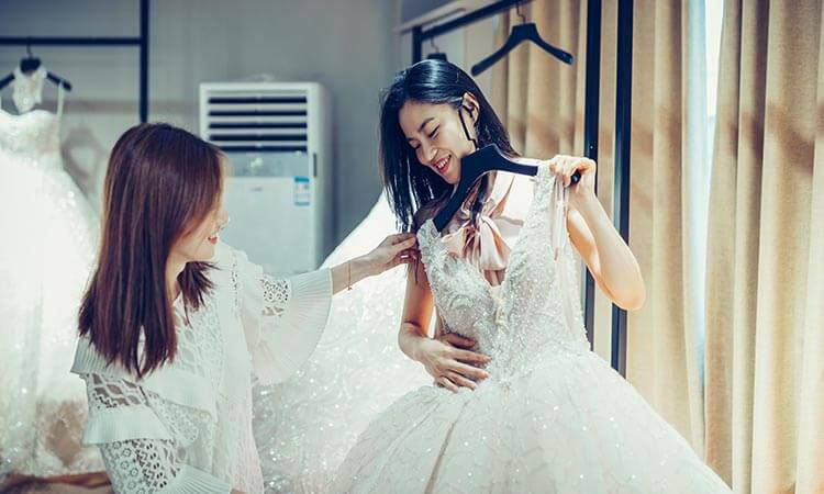 How To Sell Wedding Dress After Use