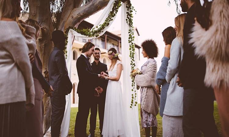 How-To-Start-Wedding-Vows-A-Crucial-Guide