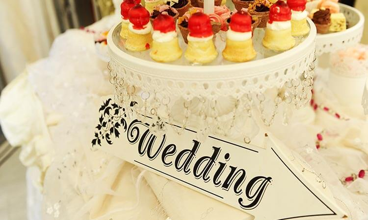 The 7 Best Candy For Wedding Candy Bars