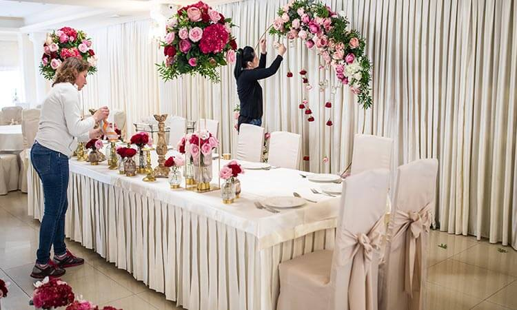 The 7 Best Flowers For Wedding Decorations