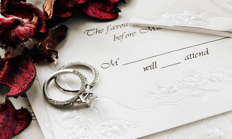 The 7 Best Paper To Print Wedding Invitations On Last-Minute Prep
