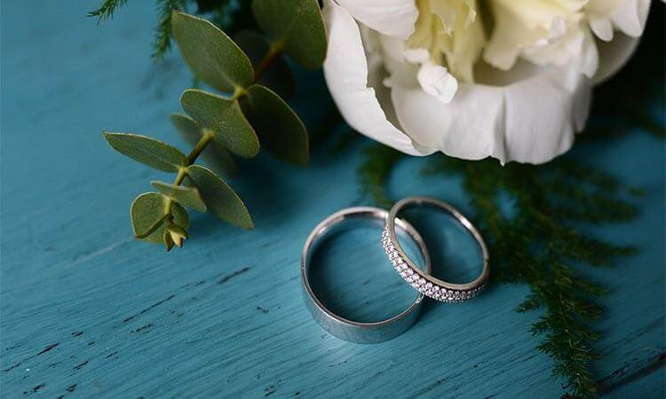 The 7 Best Tungsten Wedding Bands For Couples