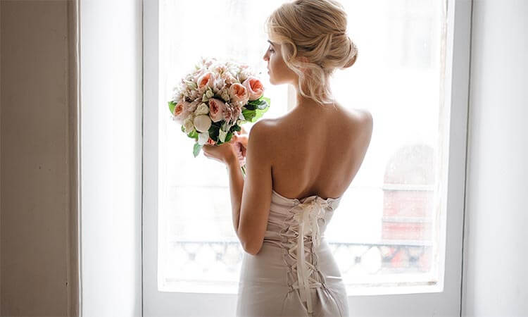 The 7 Best Wedding Dresses For Hourglass Figure