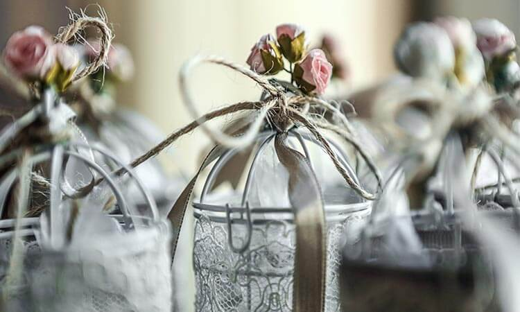 The 7 Best Wedding Favors For Guests