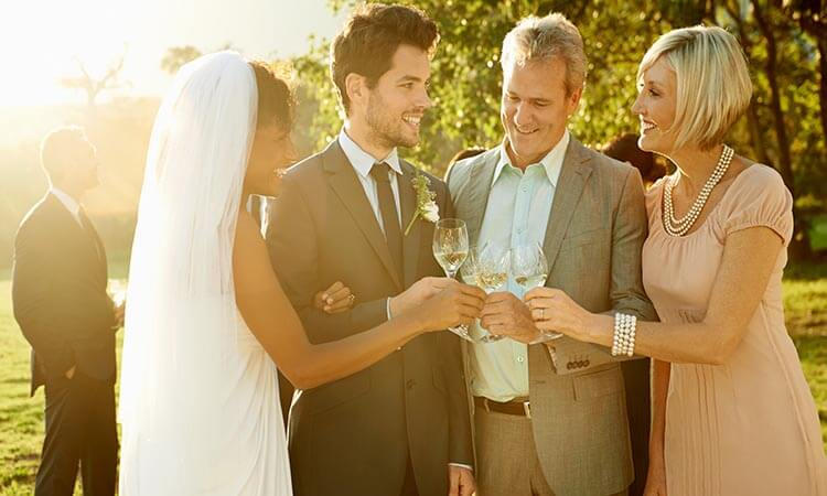 The-7-Best-Wedding-Gifts-For-Parents