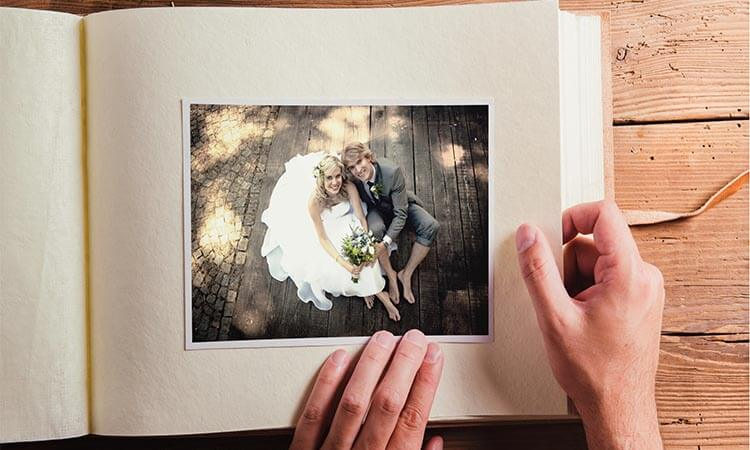 The-7-Best-Wedding-Photo-Albums-Wedding-Must-Haves